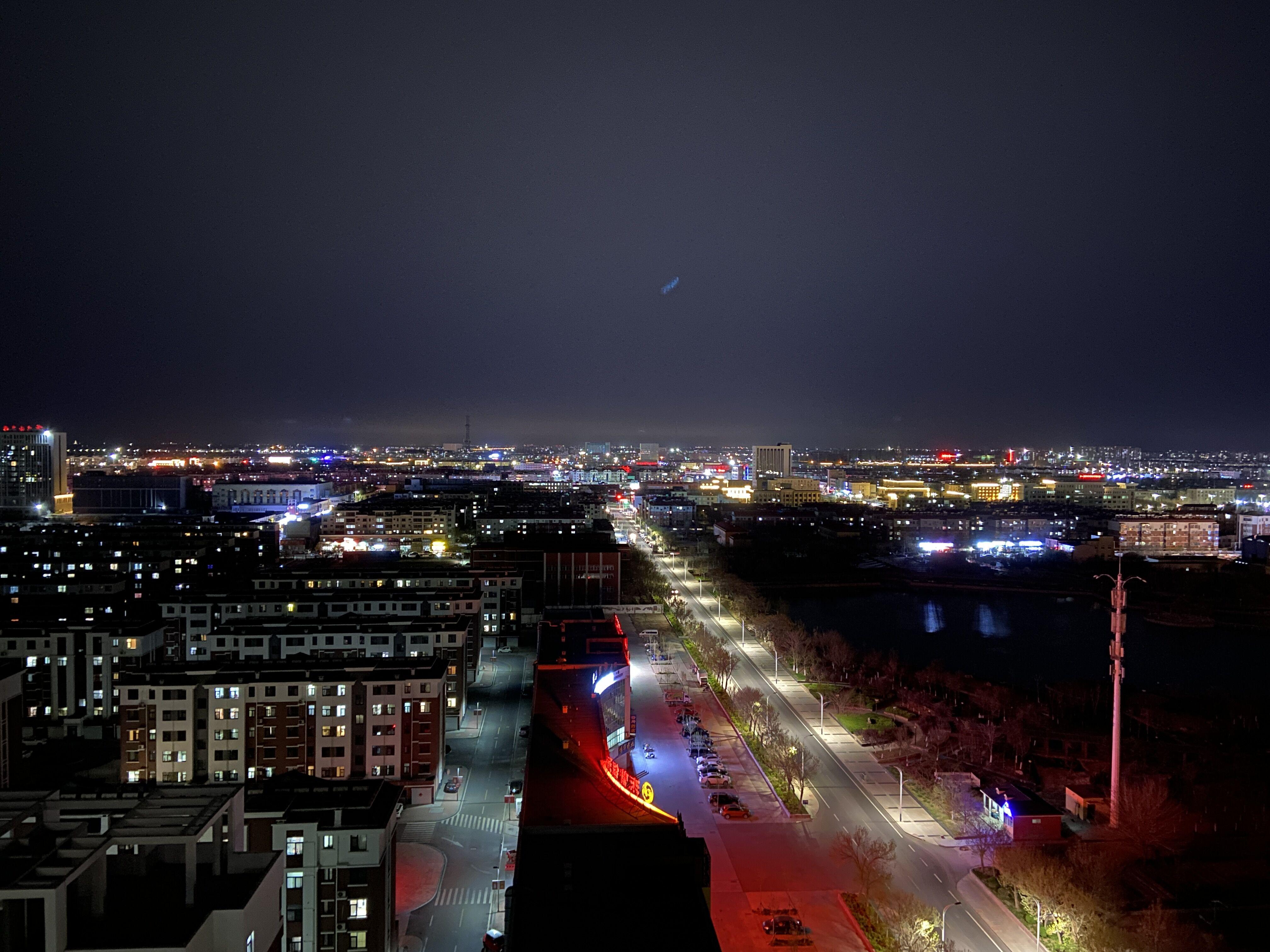 iPhone11夜景广角26mm拍摄